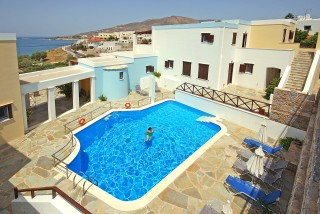 regginas-apartments-syros