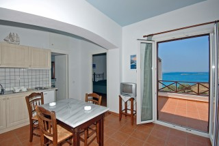 superior-apartment-syros-18