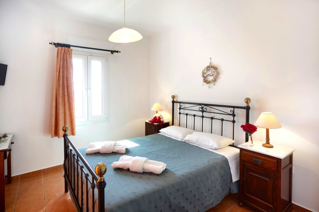 Syros Two Bedroom Apartments 7