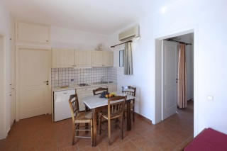 two-bedrooms-syros-01